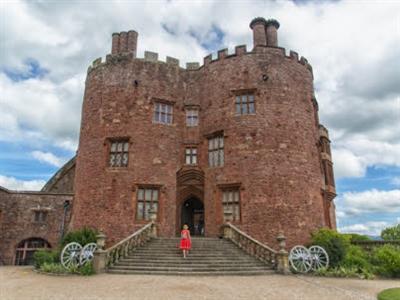 Powis Castle & Garden (Powys) *National Trust*